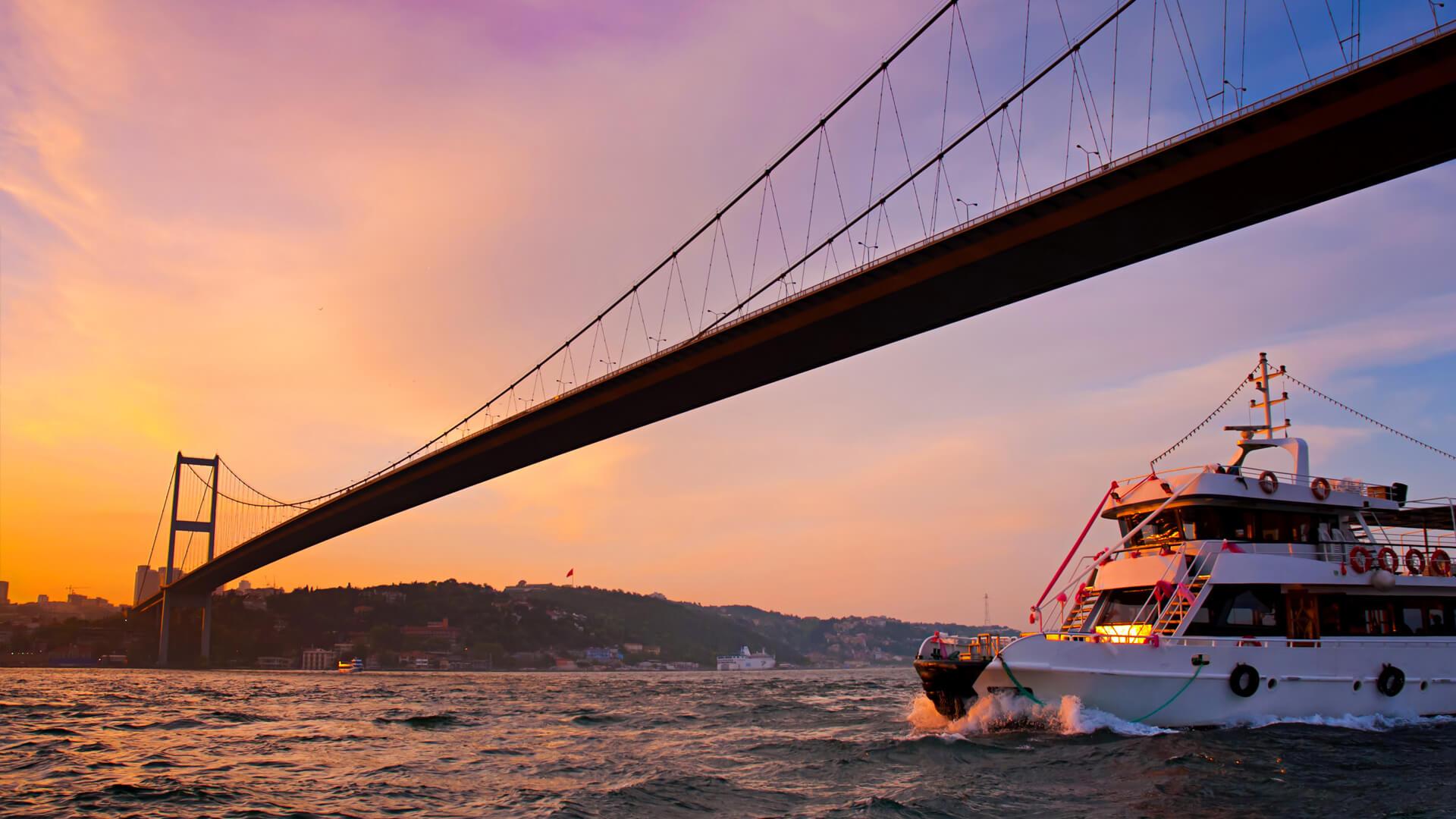 Bosphorus- Istanbul Dinner Cruises