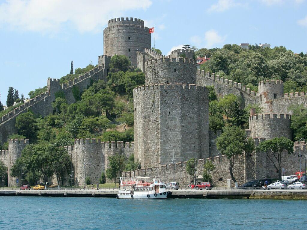 Rumeli Fortress- Istanbul Dinner Cruises